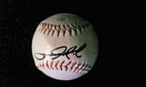Former Red Sox ace pitcher Tim Wakefield autographed baseball. 2 times World Series Champion with Boston Red Sox